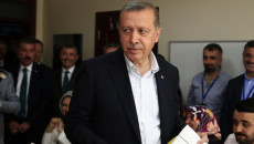El-presidente-turco-Recep-Tayy_54432681567_51351706917_600_226