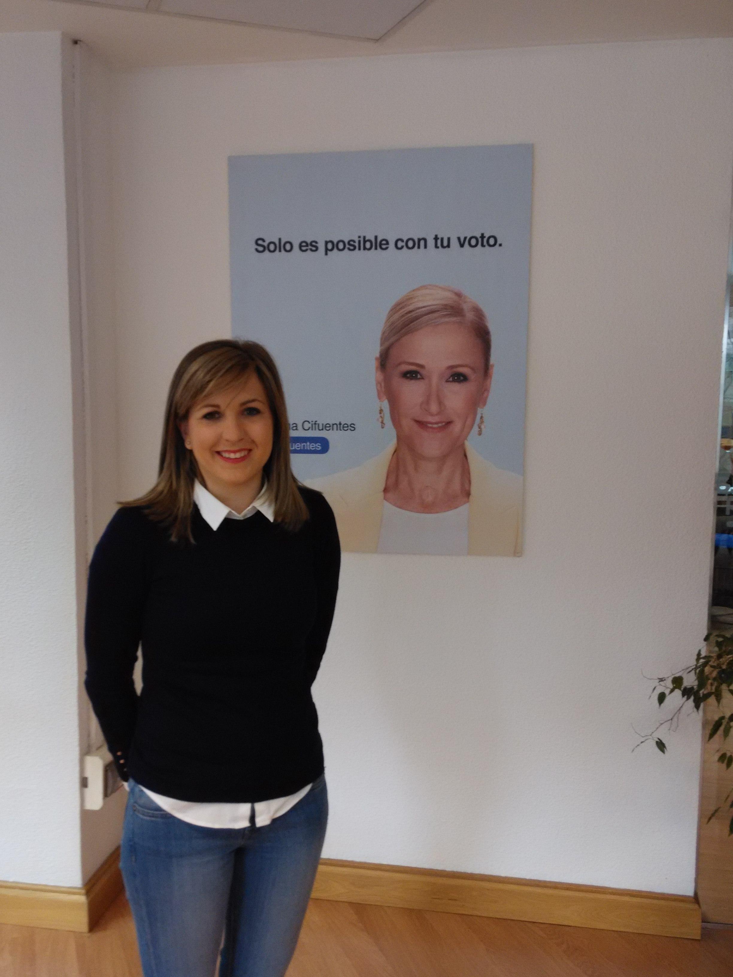 Ana Pérez, portada